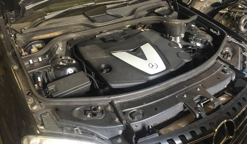 Mercedes ML 320cdi V6 de 2006 para peças completo