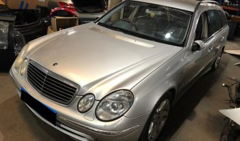 Mercedes (W211) E320 CDI Station de 2003 para peças completo