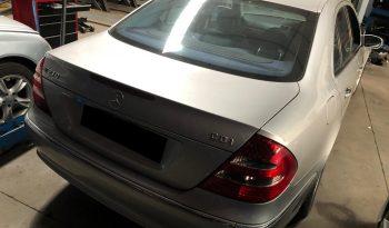 Mercedes (W211) E270 CDI de 2002 para peças completo