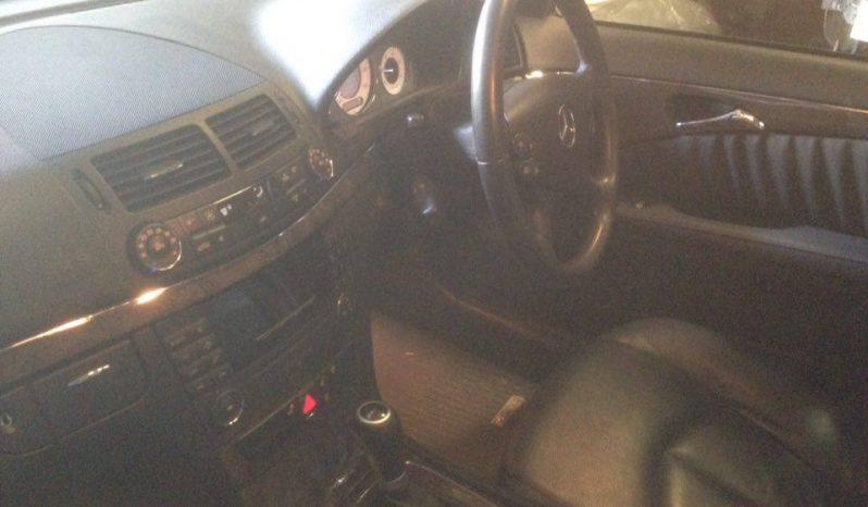 Mercedes E220 CDI Elegance W211 de 2007 completo