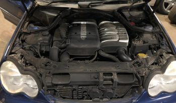 Mercedes (W203) C220 CDI de 2003 para peças completo