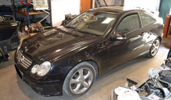 Mercedes Sportcoupé C220 CDI de 2006 W203 para peças completo
